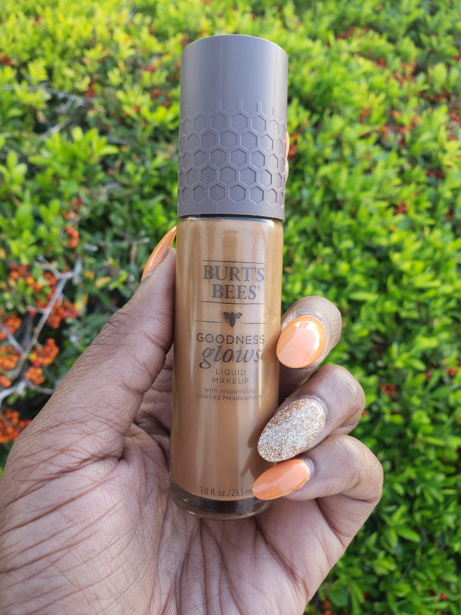 Burt's Bees Goodness Glows Full Coverage Liquid Makeup